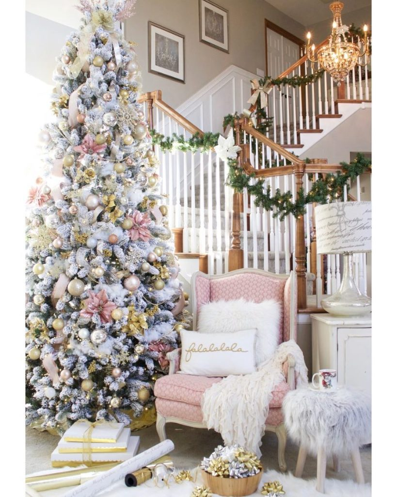 blush pink christmas decor kimkstyledwithlace - Blush Christmas Decorations