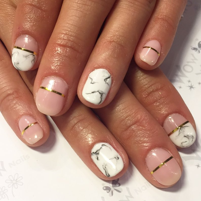 10 Perfect Marble Nail Art - Elegant Look On Nails - Gazzed