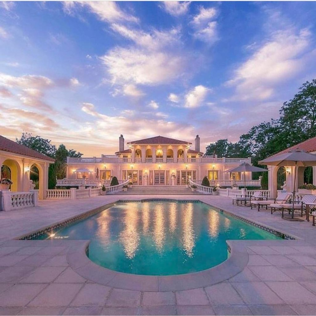 perfect luxury homes with pool and spa