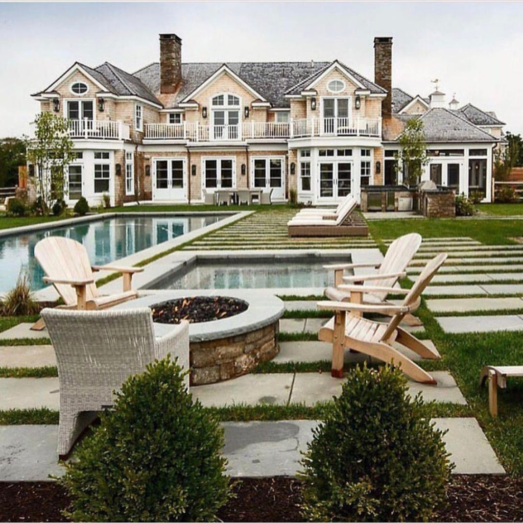 15 luxury homes with pool millionaire lifestyle dream for Lifestyle home builders
