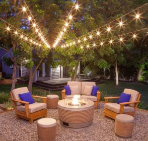 Modern backyards with outdoor fire place, Rattan furniture and Pergola