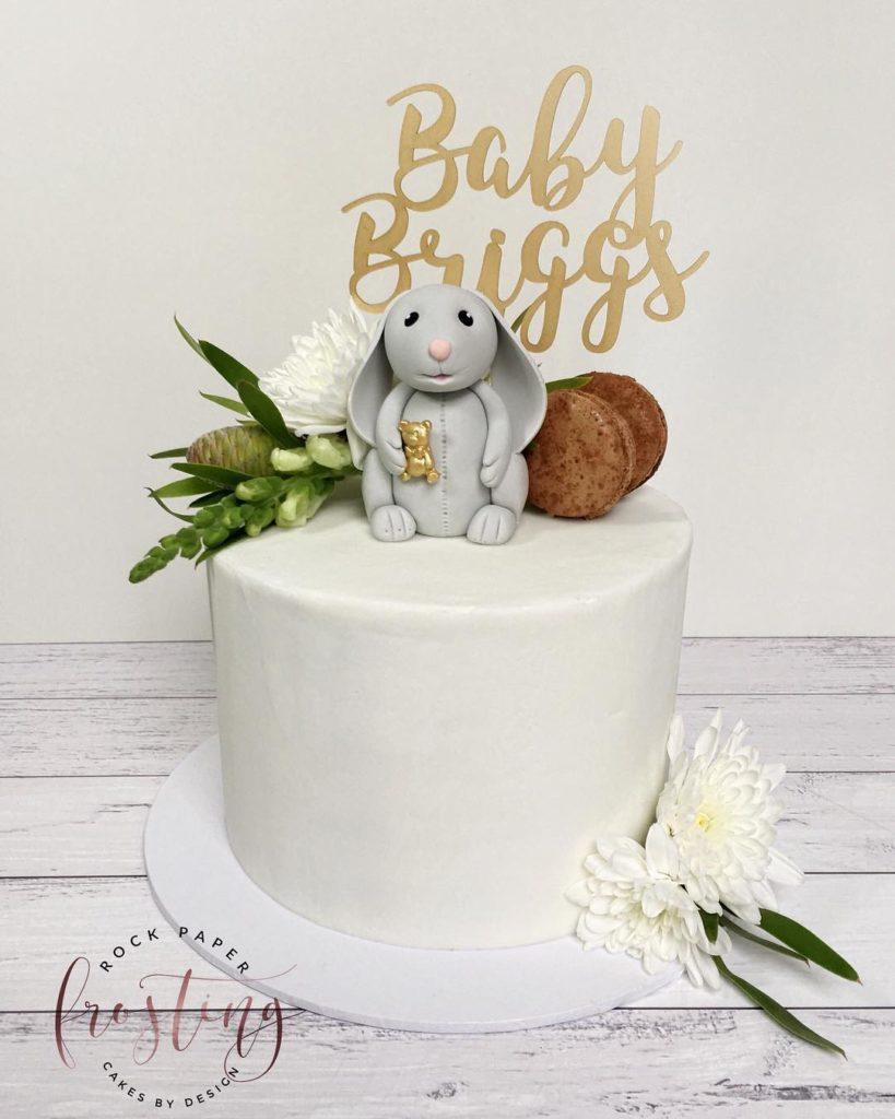 Bunny cake @rockpaperfrosting