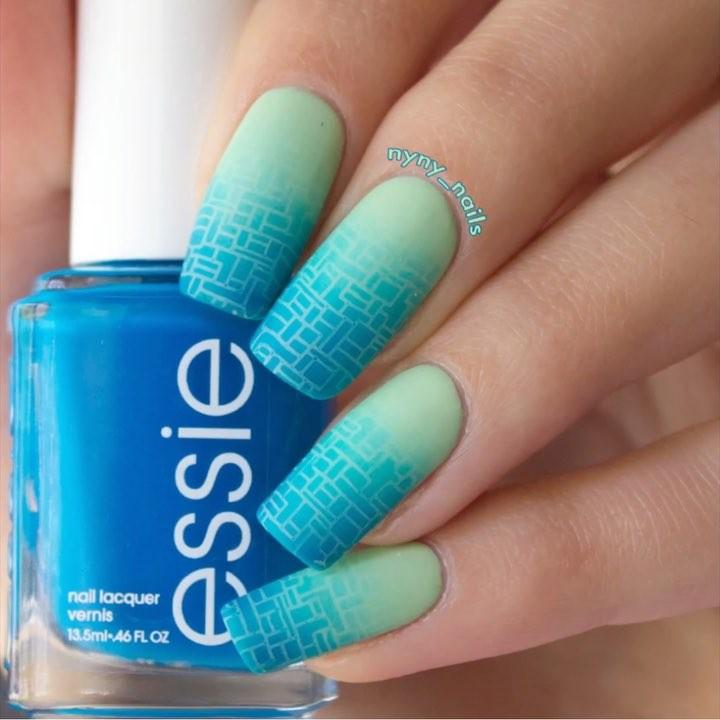 nail lacquer polish blue geometric art